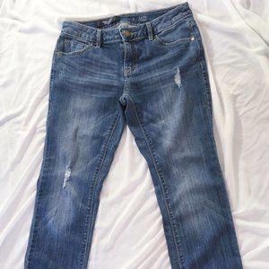 Simply Vera Wang Distressed Capri Jeans - Sz 2